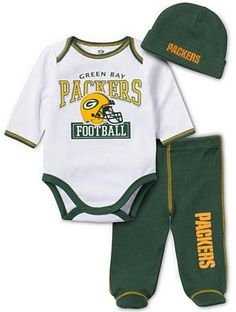 This adorable combination is sure to score on game day! Your little one will absolutely love playing rough and tough in these must-have pieces. Baby Boys, Baby Baby Baby Oh, Baby Fever, Infant Boys, Baby Boy Fashion, Toddler Fashion, Toddler Outfits, Baby Boy Outfits, Packers Baby