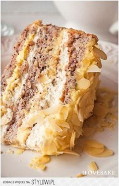 Tort egipski to połączenie biszkoptu na bazie orzechów… na Stylowi.pl Polish Desserts, Polish Recipes, No Bake Desserts, Sweet Recipes, Cake Recipes, Dessert Recipes, My Favorite Food, Favorite Recipes, Icebox Cake