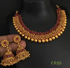 New designer Matt necklace Indian Jewellery Bridal Jewellery - Indian Fashion Ideas Jewelry Design Earrings, Gold Jewellery Design, Necklace Designs, Gold Temple Jewellery, Gold Jewelry, Bridal Jewelry Sets, Bridal Jewellery, Kerala Jewellery, Saree Jewellery