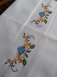 1 million+ Stunning Free Images to Use Anywhere Embroidery Tattoo, Embroidery Sampler, Embroidery Patterns Free, Vintage Embroidery, Baby Knitting Patterns, Cross Stitch Embroidery, Hand Embroidery, Embroidery Scissors, Embroidery Transfers