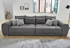 Big sofas have been a strong trend in the upholstered furniture segment for several years now. Beige Living Rooms, Living Room Sofa, Sofa Design, Interior Design, Xxl Couch, Deep Couch, The Big Comfy Couch, Comfy Couches, Ideas