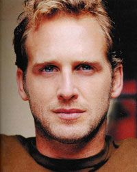 josh lucas. he reminds me of ryan gosling for some reason....