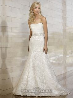 Stunning Strapless Mermaid Pleated Bodice Lace Appliques Skirt Wedding Dresses - LightIndreaming