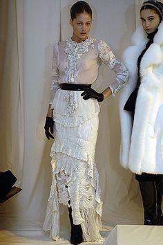 Givenchy Fall 2005 Couture Fashion Show - Doutzen Kroes (Viva)