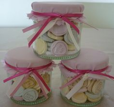 If you are on a budget, DIY wedding favours are always a great way to save money! Add a touch of love to your day which these cute 'love heart' wedding favours! Honey Wedding Favors, Diy Wedding, Dream Wedding, Wedding Ideas, Wedding Fayre, Wedding Sweets, Craft Wedding, Handmade Wedding, Wedding Things