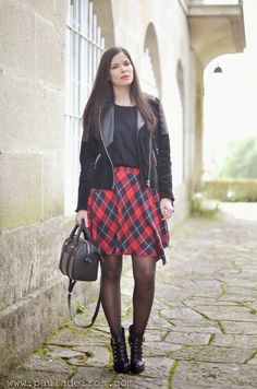 PAULA DEIROS SECRETS: Plaid Skirt & Rock #kissmylook