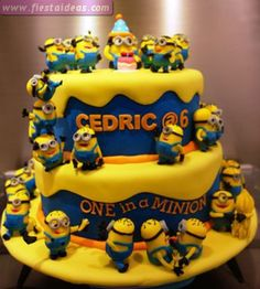 Great Photo of Minion Birthday Cake Images Minion Birthday Cake Images Top 10 Crazy Minions Cake Ideas Birthday Express Crazy Cakes, Fancy Cakes, Cute Cakes, Yummy Cakes, Minion Torte, Bolo Minion, Minion Cakes, Minions Minions, Despicable Me Cake