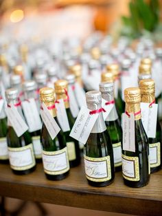 There's an edible wedding favor fit for every couple. Get inspired by these unique (and delicious) wedding favor ideas. Champagne Wedding Favors, Alcohol Wedding Favors, Wedding Favor Table, Homemade Wedding Favors, Chocolate Wedding Favors, Winter Wedding Favors, Creative Wedding Favors, Edible Wedding Favors, Beach Wedding Favors