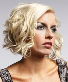 22 Sexy And Flattering Short Hairstyles For Women Over 40
