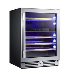in Black With Seamless Stainless Steel Door Frame With Stainless Steel Handle by Avanti in Seattle, WA - Single Zone ELITE Series Wine Chiller (Available through select retailers). Home Cooler, Wine Bottle Design, Interior Led Lights, Kick Plate, Stainless Steel Doors, Door Kits, Wine Chiller, Cool Things To Buy, Beverage Center
