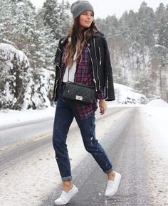 """""""Kick starting our week in this comfy winter look - @stylesubmit  Which part of the world are you starting yours? Tell us where you are locAted!"""""""