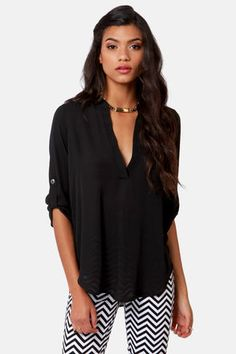 Check it out from Lulus.com! For the girl who's so on top of trends it's astounding, we see the V-sionary Black Top in your future! This lightweight top pairs a silky woven material with button-tab half sleeves, a deep V-neckline, and a rounded hemline. Unlined and slightly sheer. Model is wearing a size small. Small measures 28