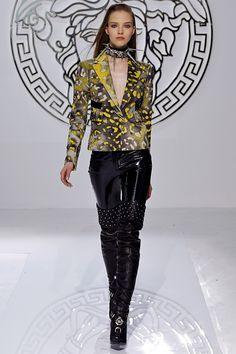 Versace Fall 2013 – Vogue