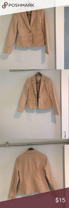 Old Navy Khaki Blazer Perfect blazer for the summer. Old Navy Jackets & Coats Blazers