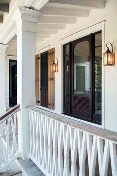Ideas for exterior stairs design architecture front porches Porch Railing Designs, Front Porch Railings, Porch Stairs, Front Door Porch, Exterior Stairs, Exterior Front Doors, House Paint Exterior, Exterior House Colors, Exterior Design