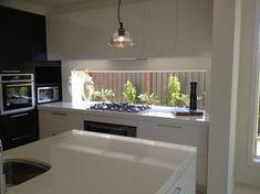 Ideas For Kitchen Window Backsplash Cupboards Kitchen Living, New Kitchen, Kitchen Decor, Kitchen Design, Cocinas Kitchen, Splashback, Cuisines Design, Kitchen Backsplash, Home Kitchens