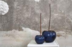 """Bull&Stein en loff.it, la web de estilo de vida de ABC: """"Bull&Stein y las frutas cerámicas de Lisa Pappon"""" #bullstein #ceramica #cristal #bronce #manzanas #lisapappon #outdoorconceptsmarbella"""