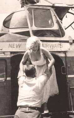 Marilyn arriving by helicopter to inaugurate the construction of the new Time-Life Building in Rockefeller Centre, NYC, July 2nd 1957.