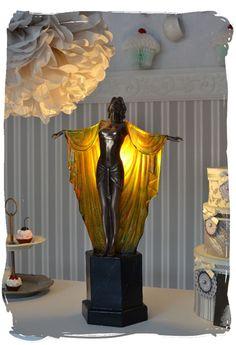Tischlampe im Art Deco