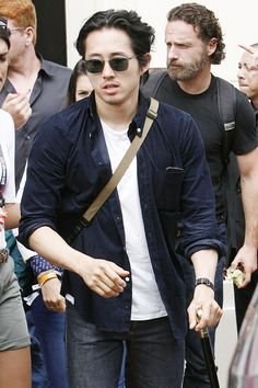 SDCC 2014 anyone else notice Steven walked with a cane the whole time?