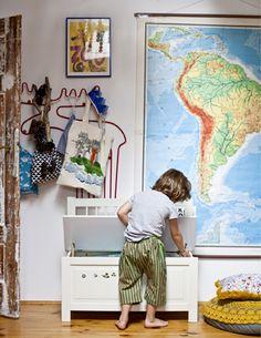 Auch Kinder brauchen genug Platz für ihre Siebensachen (im Bild SILVERÅN Banktruhe).