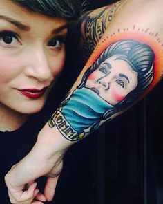 This beautiful portrait: | 16 Beautifully Touching Tattoos That Honor Moms
