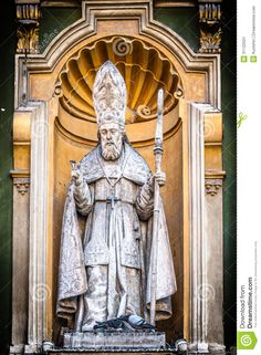 catholic-priest-statue-nice-cathedral-detail-facade-close-up-view-staff-hand-under-yellow-arch-sculpture-as-31122501.jpg (954×1300)