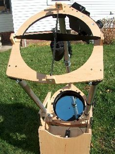 Bob Smith's tri-strut Dob (inspired by Albert Highe's designs), with Sky Commander digital setting circles (encoders) Radio Astronomy, Astronomy Stars, Telescope Craft, Bob Smith, Stargazing, The Struts, Outer Space, Cosmic, Circles