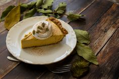 Wait until you try this amazingness. I'm in full pumpkin and squash mode here, and my fall wouldn't be complete without a pumpkin cheesecake. I'm also beginning to test some recipes that will be go. Gf Recipes, Vegetarian Recipes, Vegan Sweet Potato Pie, Cake With Cream Cheese, Pumpkin Cheesecake, A Pumpkin, Squash, Paleo, Breakfast