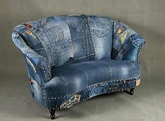 Soffa i gammla jeans