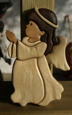 Angel Intarsia, pattern from Kathy Wise Woods used : birch, beech, black walnut, hornbeam and ebony