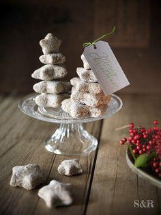 Alberelli di pane, perfetti come segnaposto per rallegrare la vostra tavola di Natale! Trovate la ricetta su www.salviarosmarino.com   #sharenatalealverde. Bread Tree!
