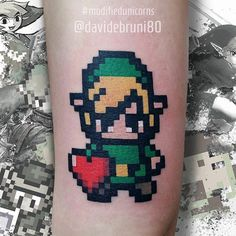 De retour à @mubodyarts en novembre pour toujours plus de pixels @davidebruni80 !  #mubodyarts #zeldatattoo #dijon #linktattoo #pixeltattoo #geektattoo #gamertattoo #nerdtattoo #linkzelda #hearttattoo #igersdijon #zelda #dijontattoo #tatouagedijon #colortattooartist #mustardcity #inkedladies #modifiedunicorns