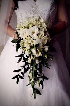 Planning A Fantastic Flower Wedding Bouquet – Bridezilla Flowers Cascading Bridal Bouquets, Spring Wedding Bouquets, Bride Bouquets, Flower Bouquet Wedding, Floral Wedding, Trailing Bouquet, Wedding Flower Inspiration, Wedding Ideas, Marie