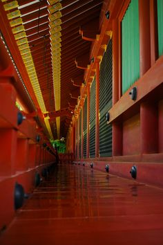 Red corridor at Tsuruoka Hachiman-gu shrine, Kamakura, Japan 鶴岡八幡宮 鎌倉