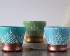 Kolam Designs, Quilling Designs, Pottery Painting Designs, Paint Designs, Plant Painting, Ceramic Painting, Diya Decoration Ideas, Indian Art Gallery, Flower Pot Design