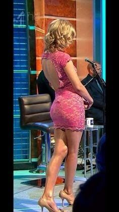Rachel Riley - deep pink and desirably pulchritudinous. Rachel Riley Bikini, Rachel Riley Legs, Rachel Riley Countdown, Racheal Riley, Tv Girls, Sexy Legs And Heels, Great Legs, Nice Legs, Curvy Women Fashion