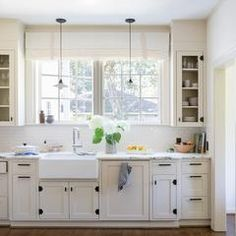 Uplifting Kitchen Remodeling Choosing Your New Kitchen Cabinets Ideas. Delightful Kitchen Remodeling Choosing Your New Kitchen Cabinets Ideas. Kitchen Furniture, Kitchen Decor, Kitchen Ideas, Kitchen Office, Decorating Kitchen, Interior Decorating, Furniture Stores, Kitchen Stuff, Closed Kitchen