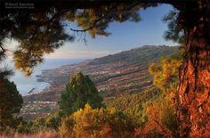 Panorámica desde la cumbres de la isla, con Santa Cruz y este de la isla. La Palma, Canarias