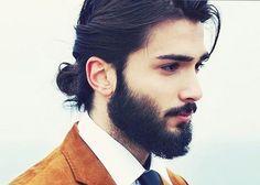 #homme #chignon #manbun #christophenicolasbiot #coiffure #cheveuxlongs #pasquepourlesfemmes #paritecapillaire