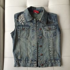Cute Denim Vest...  Vest was originally one of my favorite jean jackets... I cut ✂️ the sleeves off & added the safety pin detailing to the front two panels... Size XS but can fit a Small as well... (Not Forever21 just listed under there for finders purposes) Forever 21 Tops