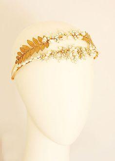 Gold headpiece. Love.