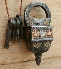 Gate Handles, Knobs And Handles, Skeleton Key Lock, Door Knobs And Knockers, Unique Key, Under Lock And Key, Old Keys, Vintage Keys, Vintage Bottles