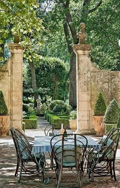 Provence (I want that wall) Outdoor Areas, Outdoor Rooms, Outdoor Living, Outdoor Decor, Landscape Design, Garden Design, Provence Garden, Provence Style, French Countryside