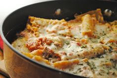 An easy one-skillet lasagna, made with Land O Lakes® new Sauté Express® Sauté Starter! Easy, quick, and meat-free! Best Pasta Recipes, Beef Recipes, Dinner Recipes, Recipies, Skillet Lasagna, Bon Appetit, Main Dishes, Delish, Appetizers