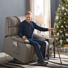 If I won, I would give this Zinn III Leather-Look Power-Lift Recliner to my Dad who dealing with bone cancer Fathers Day Pictures, Lift Recliners, Fort Morgan, Furniture For You, Main Street, Brittany, Funny Pics, Wonderland, Arredamento