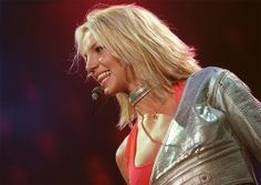 The Britney Spears Tours Britney Spears Tour, Living Legends, Layered Haircuts, Shoulder Length, First World, Bob Cut, Bob Hairstyles, Hair Cuts, Take That
