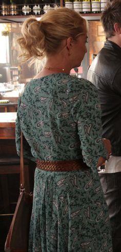 How to dress like Nina Proudman   Tigerlily dress