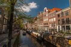 #Ámsterdam cuenta con unos 100 kilómetros de #canales, más de 1500 puentes y está formada por unas 90 islas. http://www.viajaraamsterdam.com/canales-de-amsterdam/ #turismo #viajar #Holanda