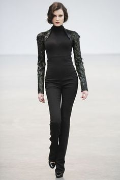 L'Wren Scott Fall 2009 Ready-to-Wear Collection Slideshow on Style.com